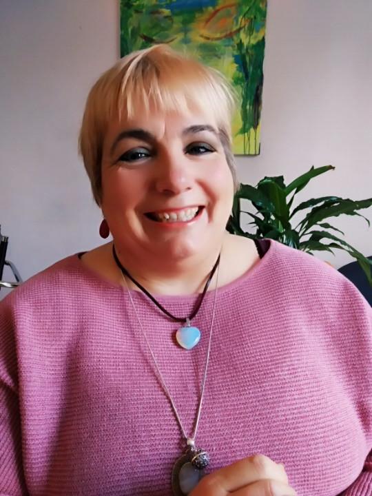 Angela Suárez